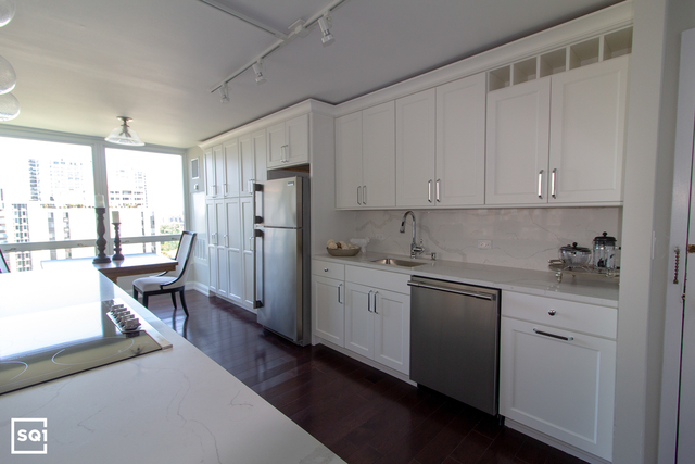 2 Bedrooms, Gold Coast Rental in Chicago, IL for $3,250 - Photo 2