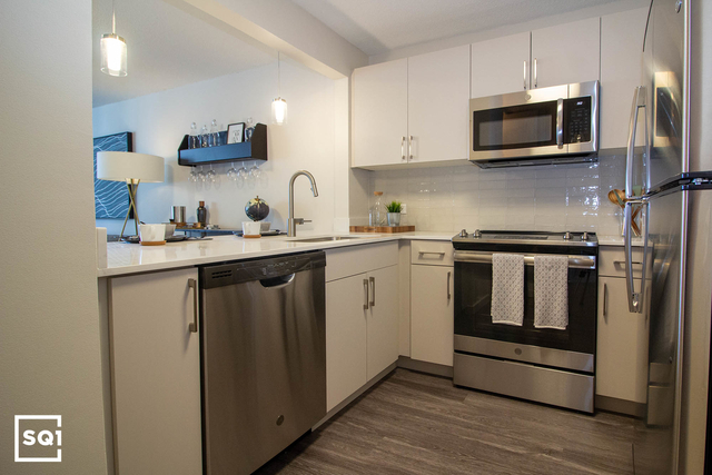 1 Bedroom, Grant Park Rental in Chicago, IL for $2,095 - Photo 2