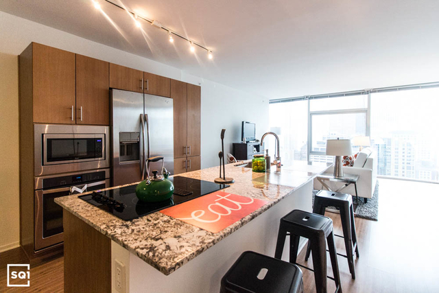 2 Bedrooms, Streeterville Rental in Chicago, IL for $3,195 - Photo 1