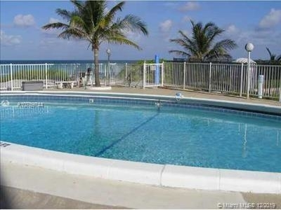 2 Bedrooms, Hallandale Beach Rental in Miami, FL for $1,600 - Photo 1