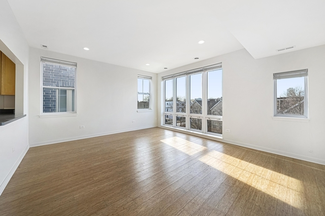3 Bedrooms, Grand Boulevard Rental in Chicago, IL for $2,239 - Photo 2