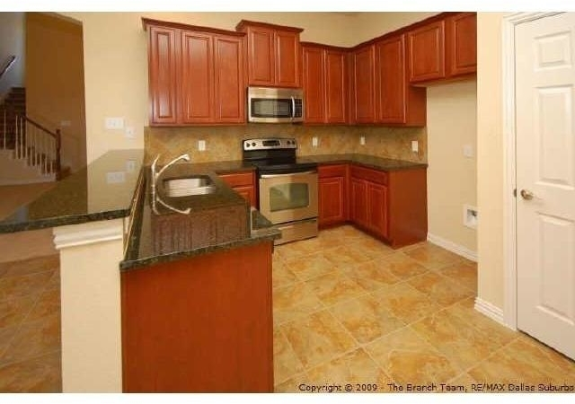 3 Bedrooms, Pasquinellis Willow Crest Rental in Dallas for $2,050 - Photo 2