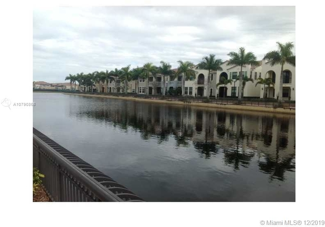 4 Bedrooms, Sawgrass Lakes Rental in Miami, FL for $3,500 - Photo 2