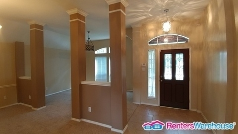 3 Bedrooms, Walden on Lake Houston Rental in Houston for $1,950 - Photo 2