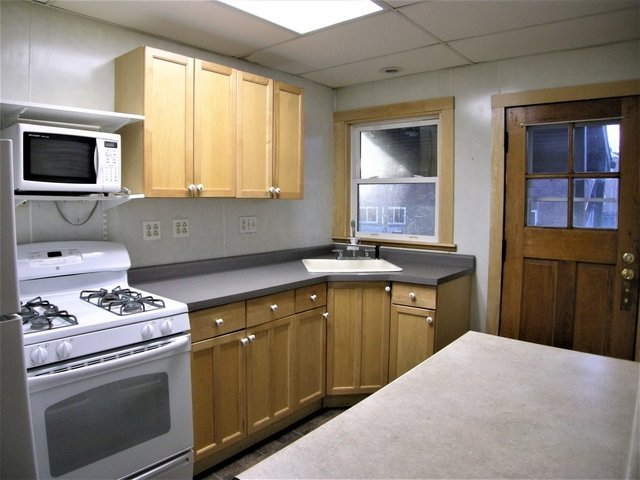 2 Bedrooms, Grant Park Rental in Chicago, IL for $950 - Photo 2