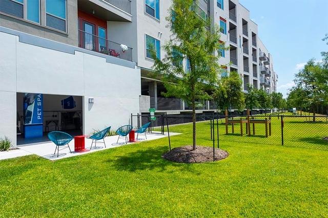 2 Bedrooms, Rossmoyne Rental in Houston for $2,442 - Photo 1