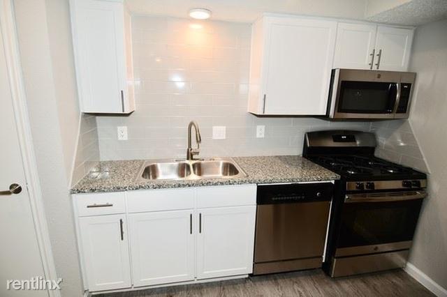 1 Bedroom, Blalock Woods Apts Rental in Houston for $909 - Photo 2