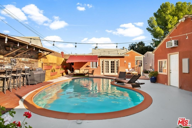 4 Bedrooms, Mid-Town North Hollywood Rental in Los Angeles, CA for $6,200 - Photo 2
