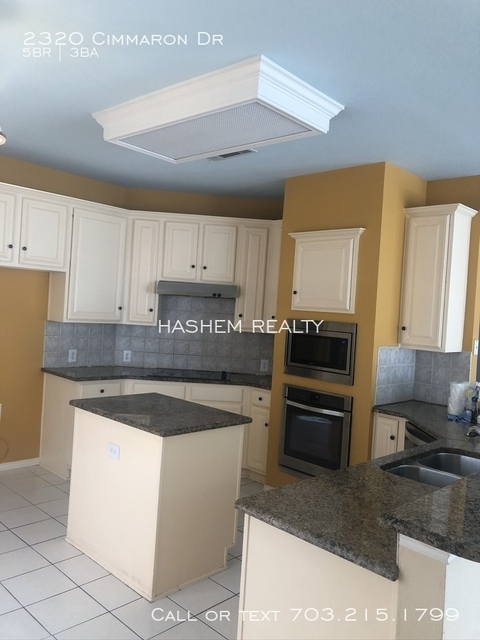 5 Bedrooms, Knolls at Russell Creek Rental in Dallas for $2,000 - Photo 1