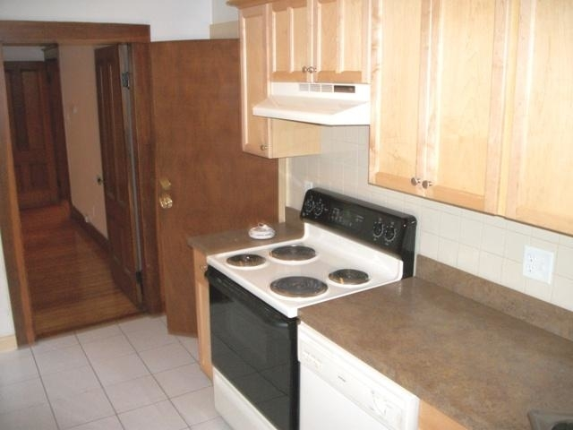 3 Bedrooms, South Quincy Rental in Boston, MA for $2,495 - Photo 2