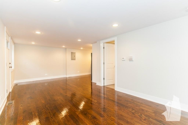 2 Bedrooms, Wrightwood Rental in Chicago, IL for $2,400 - Photo 2