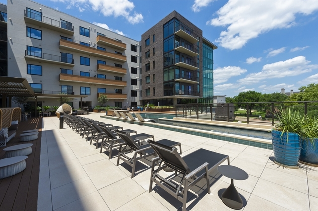 2 Bedrooms, San Felipe Square Rental in Houston for $2,906 - Photo 1