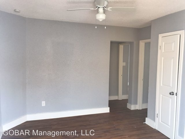 3 Bedrooms, Downtown Galveston Rental in Houston for $795 - Photo 2
