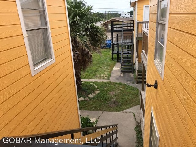 3 Bedrooms, Downtown Galveston Rental in Houston for $795 - Photo 1