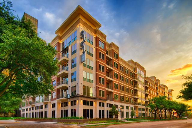 2 Bedrooms, Uptown-Galleria Rental in Houston for $3,224 - Photo 1