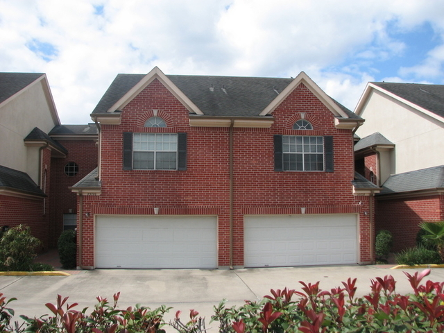3 Bedrooms, Miramar Townhome Rental in Houston for $2,710 - Photo 1