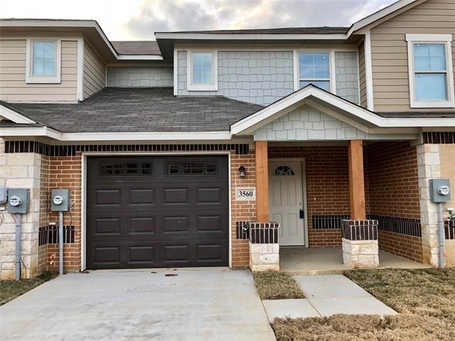 3 Bedrooms, West Arlington Rental in Dallas for $1,750 - Photo 1
