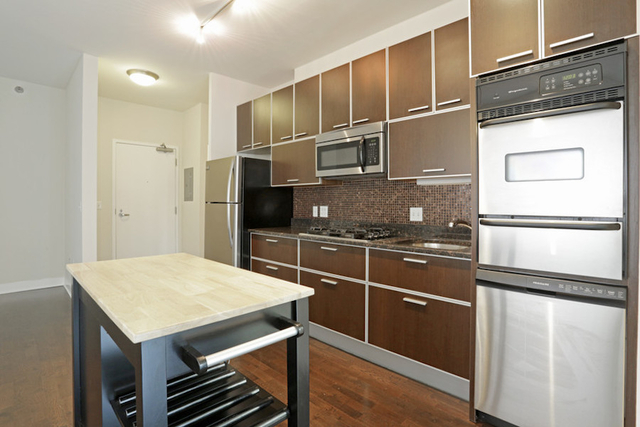 1 Bedroom, Fulton River District Rental in Chicago, IL for $2,223 - Photo 2
