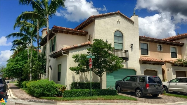 4 Bedrooms, Sawgrass Lakes Rental in Miami, FL for $3,000 - Photo 1