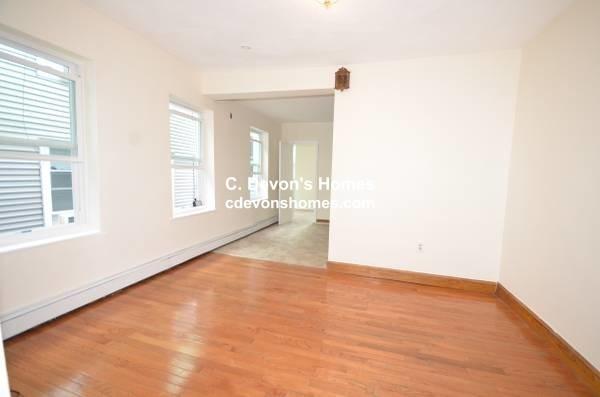 3 Bedrooms, Central Maverick Square - Paris Street Rental in Boston, MA for $2,400 - Photo 2