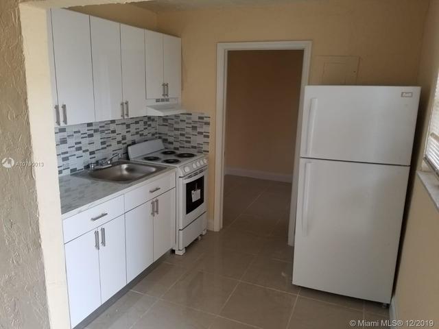 1 Bedroom, Overtown Rental in Miami, FL for $1,000 - Photo 2