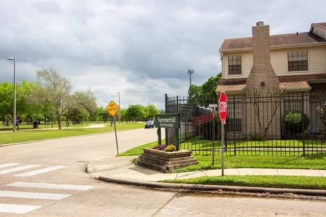 2 Bedrooms, Memorial Place Townhome Rental in Houston for $1,500 - Photo 1