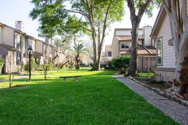 2 Bedrooms, Memorial Place Townhome Rental in Houston for $1,500 - Photo 2