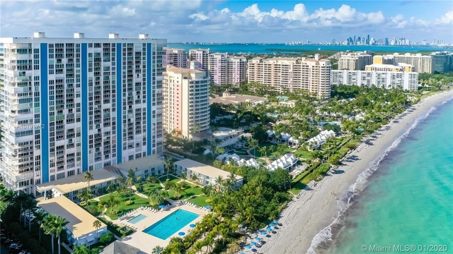 2 Bedrooms, Village of Key Biscayne Rental in Miami, FL for $4,500 - Photo 1