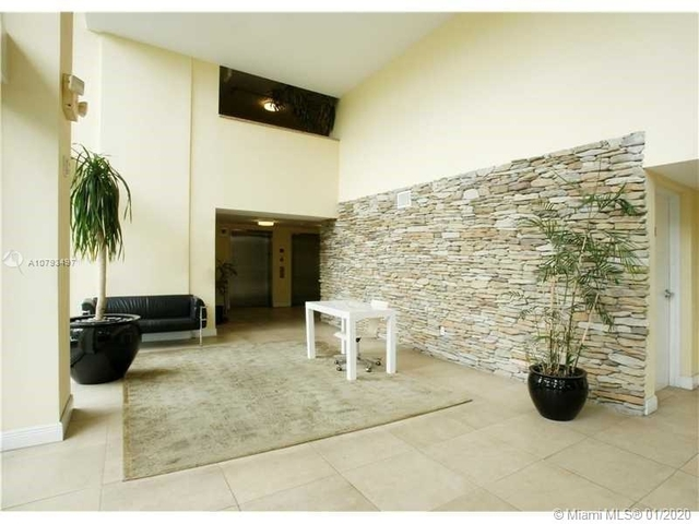 1 Bedroom, Overtown Rental in Miami, FL for $1,550 - Photo 2