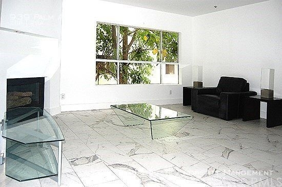 2 Bedrooms, West Hollywood Rental in Los Angeles, CA for $3,295 - Photo 2