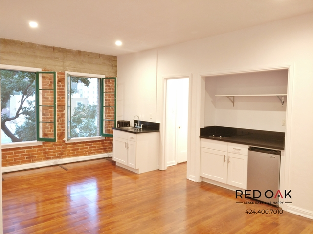 Studio, Hollywood Hills West Rental in Los Angeles, CA for $1,395 - Photo 2