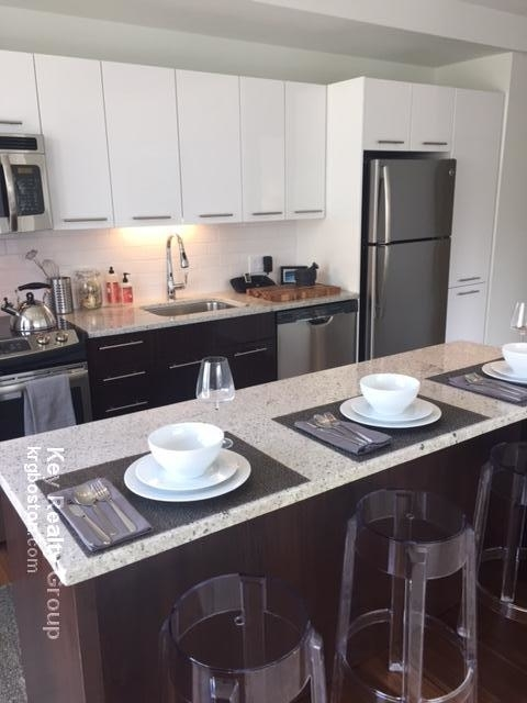 3 Bedrooms, Seaport District Rental in Boston, MA for $4,550 - Photo 1