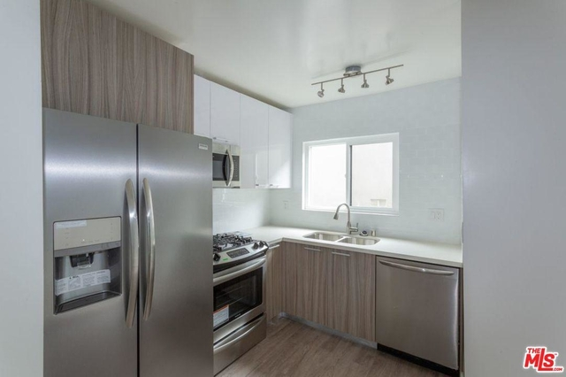 2 Bedrooms, Hollywood United Rental in Los Angeles, CA for $3,295 - Photo 2