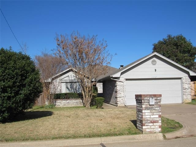 3 Bedrooms, Eagles Nest Rental in Dallas for $1,650 - Photo 1