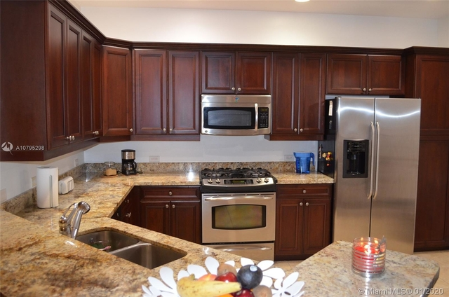 2 Bedrooms, Sawgrass Lakes Rental in Miami, FL for $2,500 - Photo 2