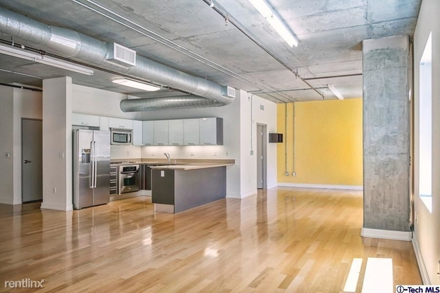2 Bedrooms, South Park Rental in Los Angeles, CA for $3,500 - Photo 2