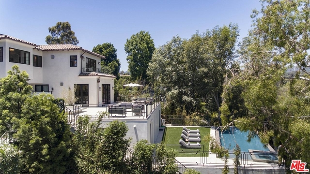 6 Bedrooms, Brentwood Rental in Los Angeles, CA for $50,000 - Photo 2