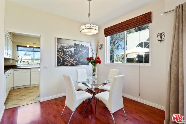2 Bedrooms, NoHo Arts District Rental in Los Angeles, CA for $2,350 - Photo 2