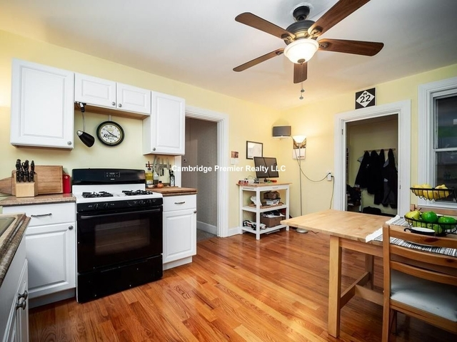 3 Bedrooms, Ward Two Rental in Boston, MA for $2,900 - Photo 2