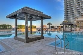 2 Bedrooms, Hallandale Beach Rental in Miami, FL for $2,800 - Photo 1