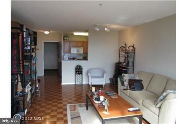 1 Bedroom, Bethesda Rental in Washington, DC for $1,849 - Photo 2