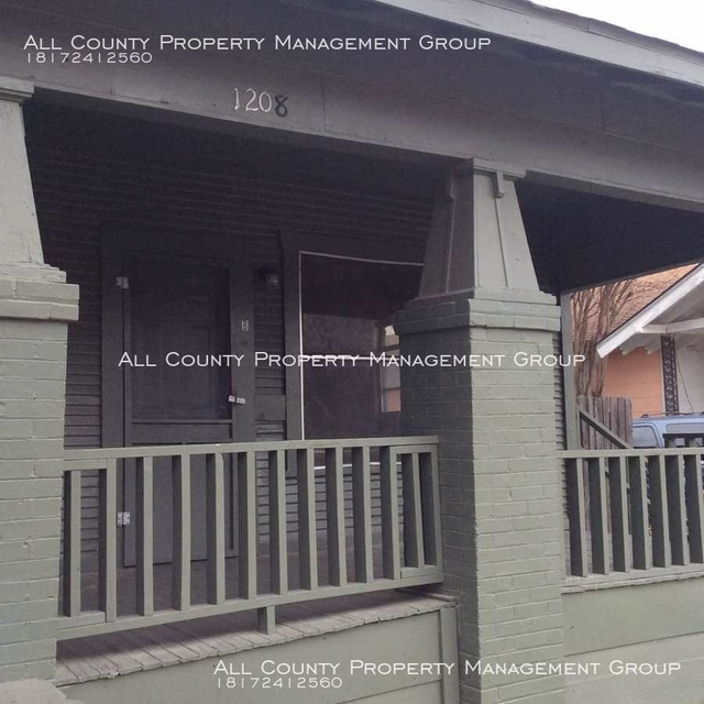 1 Bedroom, Lawn Place Rental in Dallas for $695 - Photo 2
