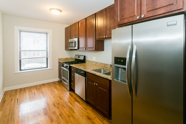 3 Bedrooms, Ravenswood Rental in Chicago, IL for $2,195 - Photo 2