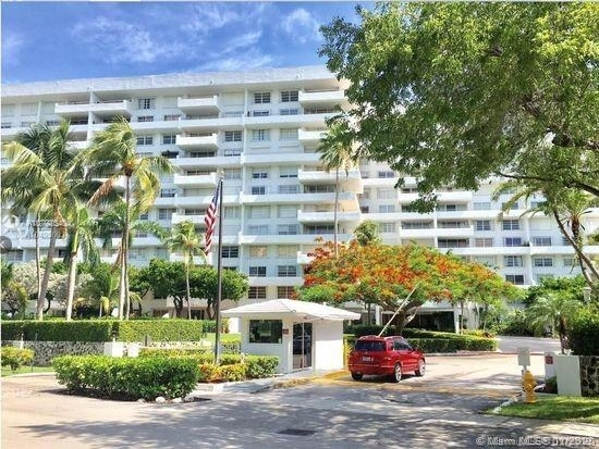 2 Bedrooms, Village of Key Biscayne Rental in Miami, FL for $2,800 - Photo 1