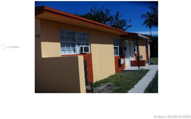 2 Bedrooms, Hallandale Beach Rental in Miami, FL for $1,450 - Photo 2