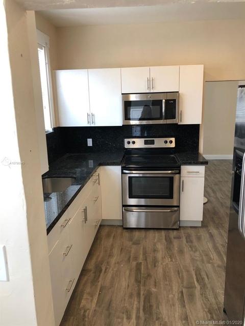 3 Bedrooms, Allapattah Rental in Miami, FL for $1,900 - Photo 2
