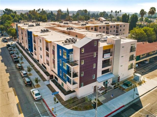 2 Bedrooms, Van Nuys Rental in Los Angeles, CA for $2,195 - Photo 1