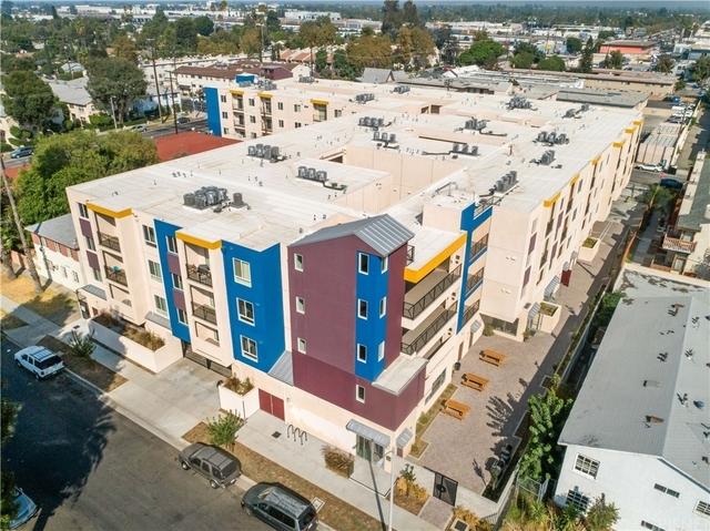 2 Bedrooms, Van Nuys Rental in Los Angeles, CA for $2,395 - Photo 1