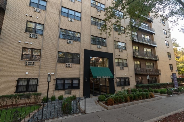 2 Bedrooms, Lake View East Rental in Chicago, IL for $1,750 - Photo 1