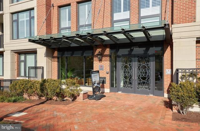 2 Bedrooms, Bethesda Rental in Washington, DC for $5,100 - Photo 2